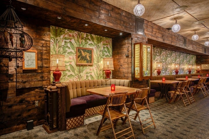 LONO Hollywood booths