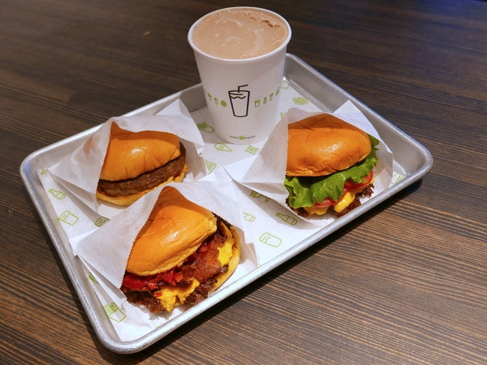 Shake Shack at LAX Terminal 3