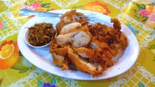 Gai tod naeng noi (fried chicken) at Night + Market Song