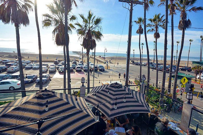 Patio at The Venice Whaler